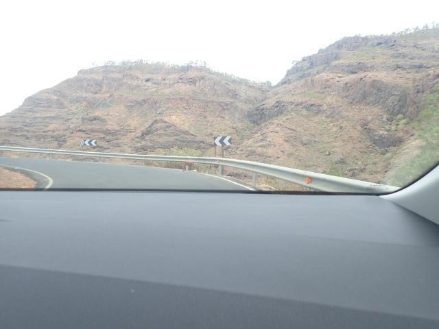 כביש טיפוסי בהרים