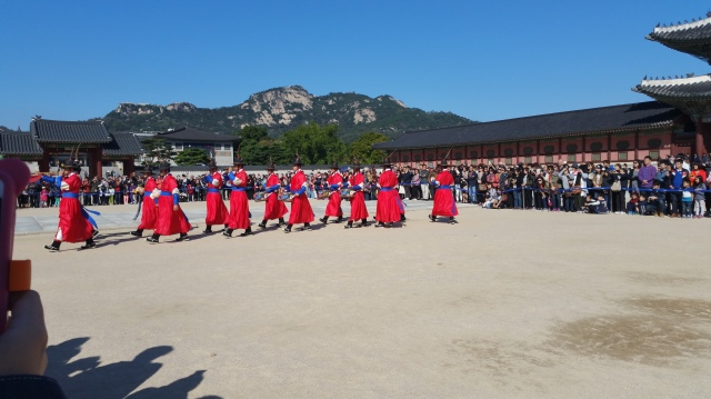 0210-09-10-chaging-of-the-guards-gyeongbokgung-palace